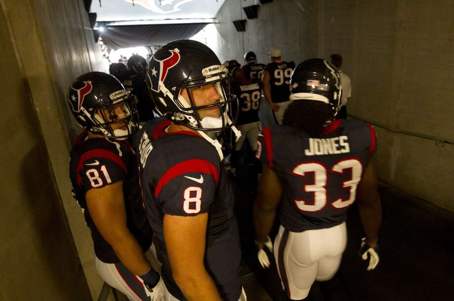 Texans quarterback Matt Schaub prepares to take the field. Photo: Brett Coomer, Houston Chronicle