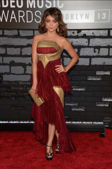Actress Sarah Hyland attends the 2013 MTV Video Music Awards at the Barclays Center on August 25, 20