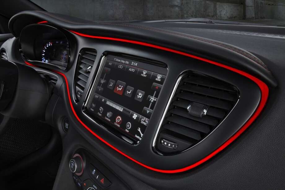 Dual-zone climate control Photo: Chrysler