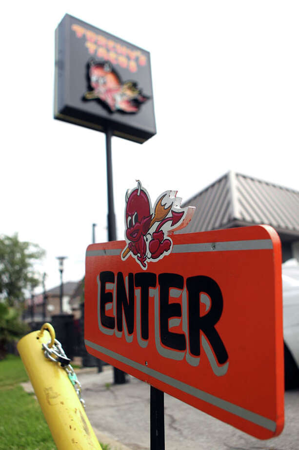 Entrance of Torchy's Tacos on 2411 S. Shepherd Dr. Photo: Johnny Hanson, Houston Chronicle / © 2012  Houston Chronicle