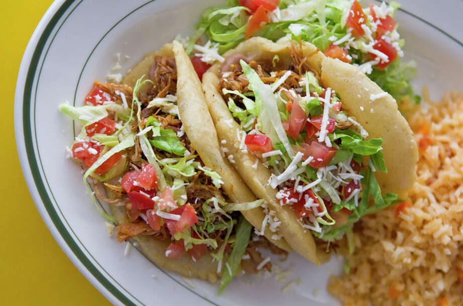 BBQ pork puffy tacos at El Real Tex-Mex Cafe. Photo: Melissa Phillip, Houston Chronicle / Houston Chronicle