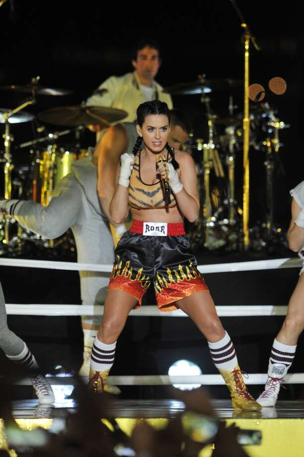 "Katy Perry closes the show with a performance of ""Roar"" by the Brooklyn Bridge. Photo: Mike Coppola, Getty Images For MTV"