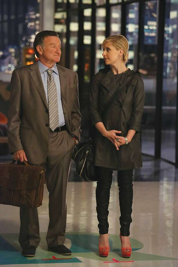 "Robin Williams returns to series television with Sarah Michelle Gellar in ""The Crazy Ones,"" about father-daughter ad executives. Photo: Cbs"