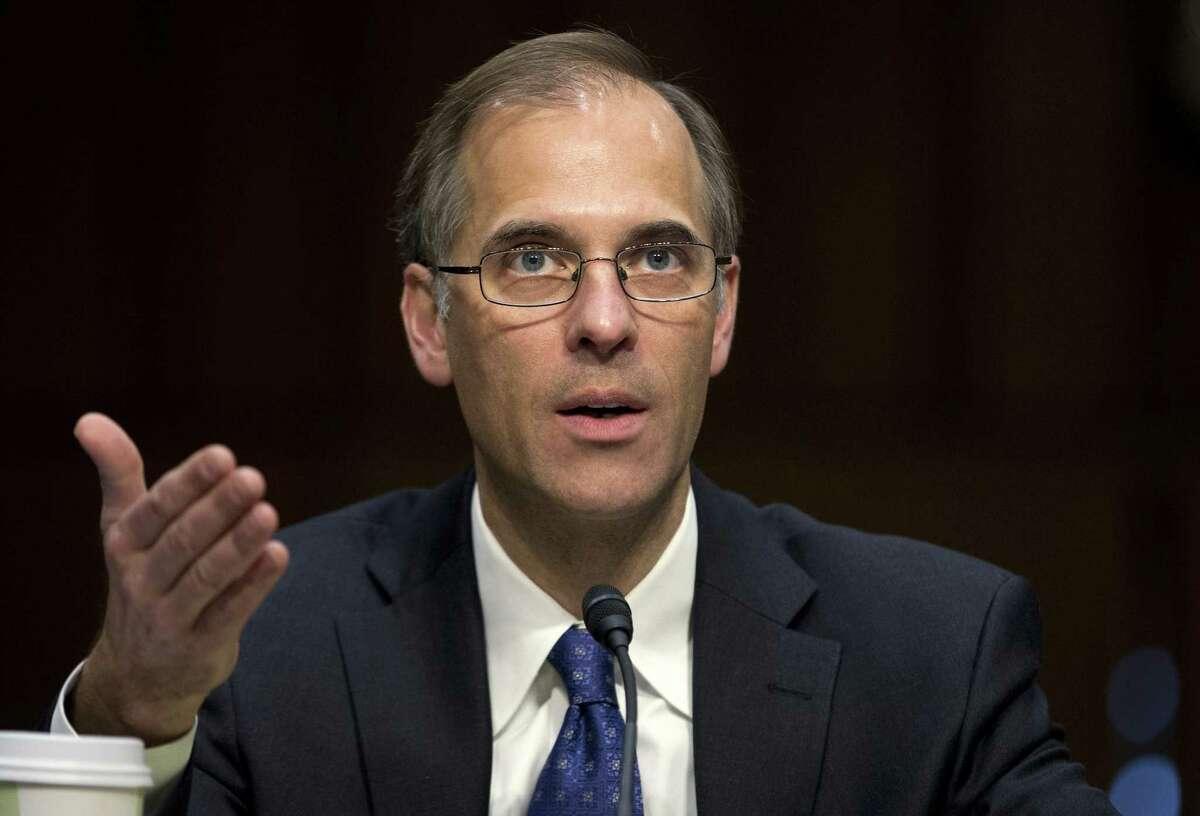"Moody's Analytics chief economist Mark Zandi will speak Dec. 10 on ""Paying the Price."""