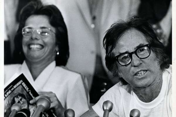 09/19/1973 - Tennis players Billie Jean King and Bobby Riggs hold press conference before Battle of the Sexes exhibition tennis match