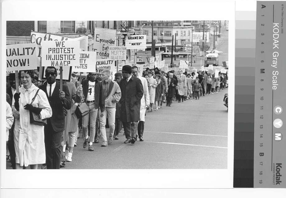 Seattle, Freedom marchers at Federal Courthouse, 1965. Photo: Copyright MOHAI, Seattle Post-Intelligencer Collection, 1986.5.5939.1 Photo: Copyright MOHAI, Seattle Post-Intelligencer Collection / Copyright Museum of History & Industry