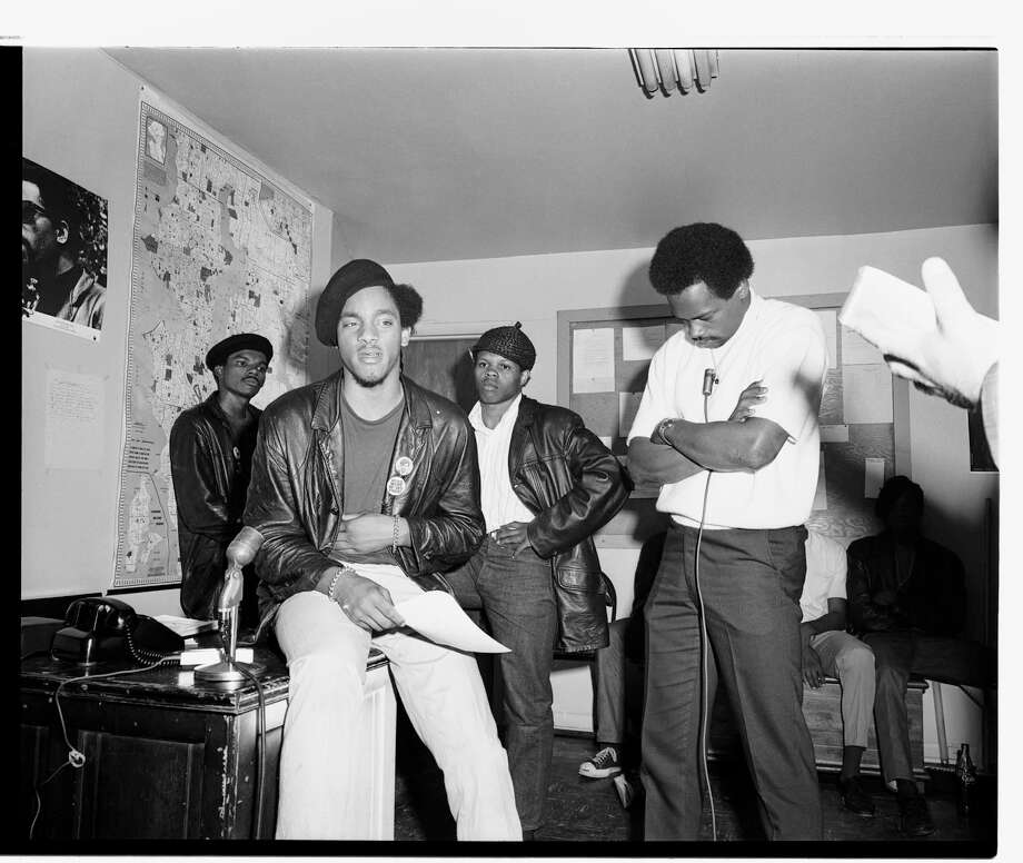 SEATTLE BLACK PANTHERS: Elmer Dixon, brother of Aaron, section leader of Panthers; Curtis Harris, 1968. Photo: Copyright MOHAI, Seattle Post-Intelligencer Collection, 1986.5.50982.1 Photo: Copyright MOHAI, Seattle Post-Intelligencer Collection / Copyright Museum of History & Industry