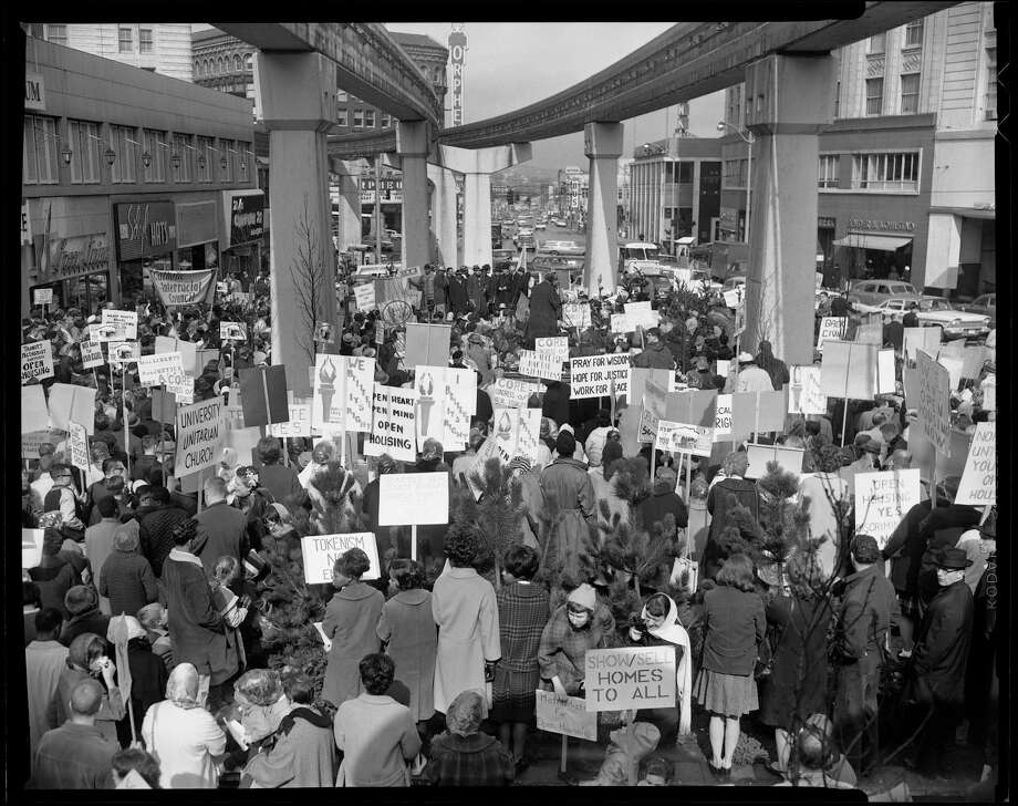 Demonstration for open housing, Westlake Mall, Seattle, 1964. Photo: Harvey Davis/Copyright MOHAI, Seattle Post-Intelligencer Collection, 1986.5.9654 Photo: Harvey Davis;PI Staff, Copyright MOHAI, Seattle Post-Intelligencer Collection / Copyright Museum of History & Industry