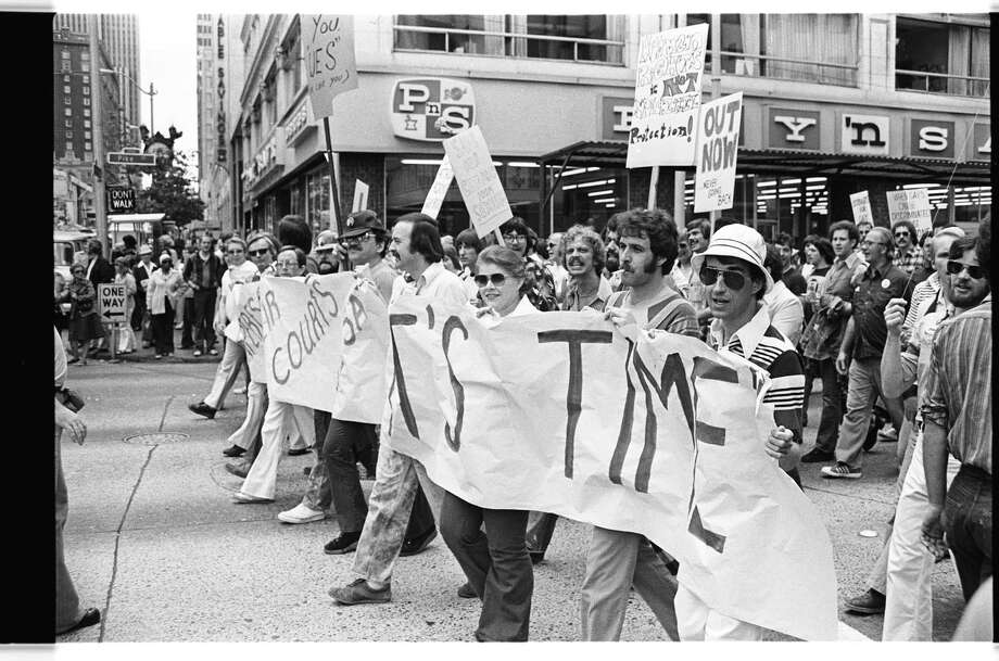Gay Pride parade, June 1977.  Photo: Bob Miller/Copyright MOHAI, Seattle Post-Intelligencer Collection, 2002.46.2379_fr35_fromneg Photo: Bob Miller, Copyright MOHAI, Seattle Post-Intelligencer Collection / Copyright Museum of History & Industry