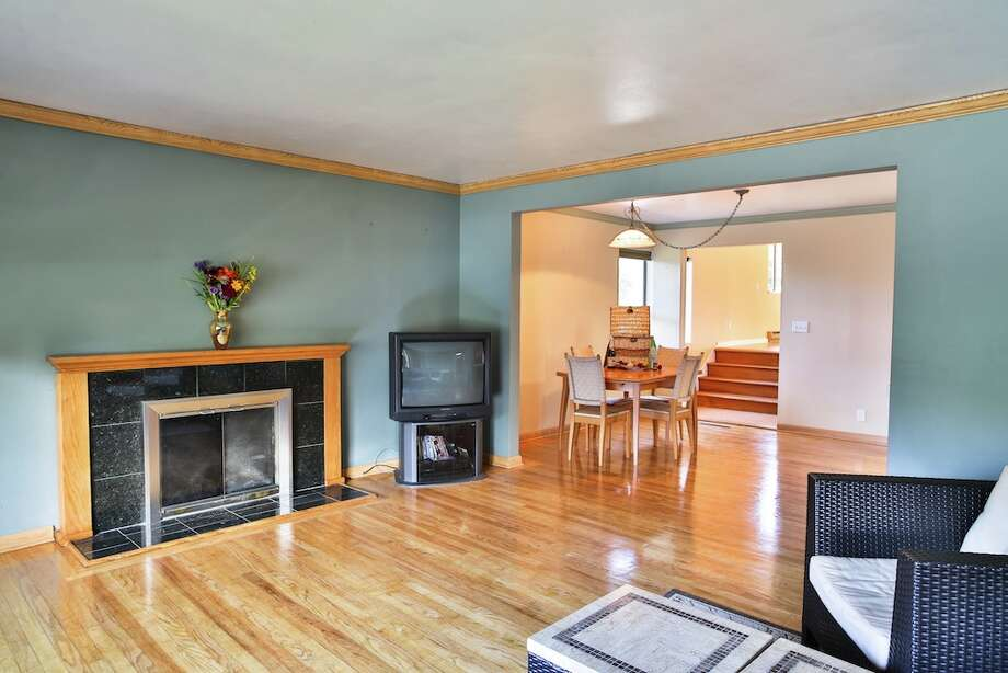 Living room of 3916 S.W. Webster St. It's listed for $434,950. Photo: Majanoue Groulx, John L. Scott Real Estate