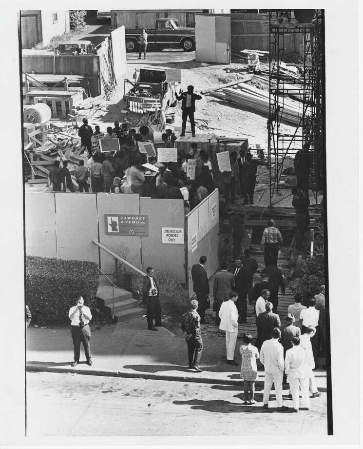 Civil Rights pickets shut down Harborview Hospital annex construction project. Date not legible. Photo: Copyright MOHAI, Seattle Post-Intelligencer Collection, 2000.107_print_CivilRights_003 copy Photo: Copyright MOHAI, Seattle Post-Intelligencer Collection / Copyright Museum of History & Industry