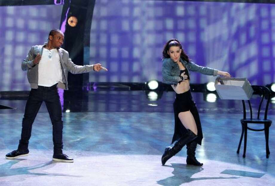 "SO YOU THINK YOU CAN DANCE: L-R: Top 6 contestants Fik-Shun and Amy Yakima perform a Hip-Hop routine to ""Lemme See"" choreographed by Dave Scott on SO YOU THINK YOU CAN DANCE airing Tuesday, August 27 (8:00-10:00 PM ET/PT) on FOX. ©2013 FOX Broadcasting Co. Cr: Adam Rose / 1"