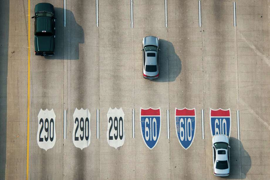Moving onto our favorite Houston-area parking lot, Loop 610.It runs just 38 miles, but sees nearly 160,000 vehicles daily.Source:Federal Highway Administration Photo: Smiley N. Pool, Houston Chronicle / © 2013  Houston Chronicle