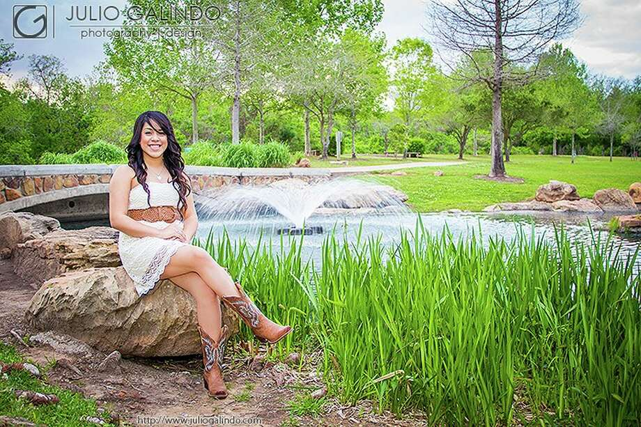 Janet at Oyster Creek Park in Sugarland Photo: Julio Galindo Photography