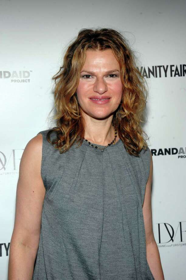 "NEW YORK - SEPTEMBER 12:  Comedian Sandra Bernhard attends the DVF & Vanity Fair Preview BRANDAID Project's ""Mask & Mirrors"" at Diane Von Furstenberg Gallery on September 12, 2009 in New York City.  (Photo by Jamie McCarthy/Getty Images for Vanity Fair) Photo: Jamie McCarthy / 2009 Getty Images"