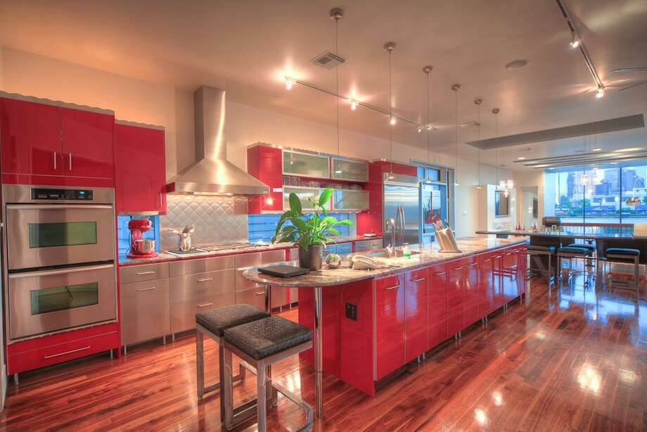 Listing agent: Jo Ellen Anderson