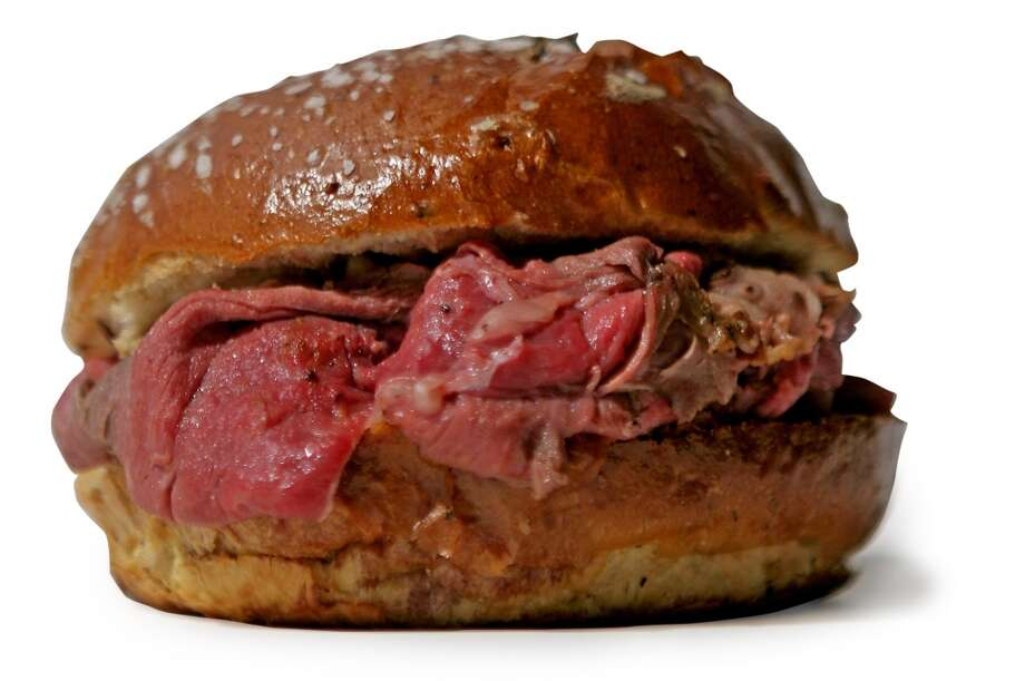 New York: Beef on weck. 