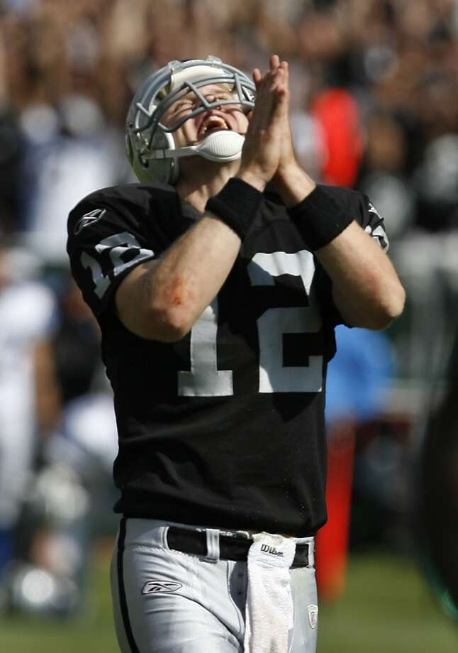 Josh McCownfumbled 11 times and threw 11 interceptions in nine games as the Raiders' starter in 2007. Photo: PAUL CHINN, SFC