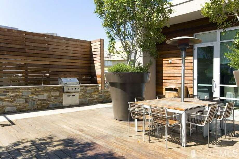 Shared courtyard. Photos via James Haywood, Paragon Real Estate Group/Redfin