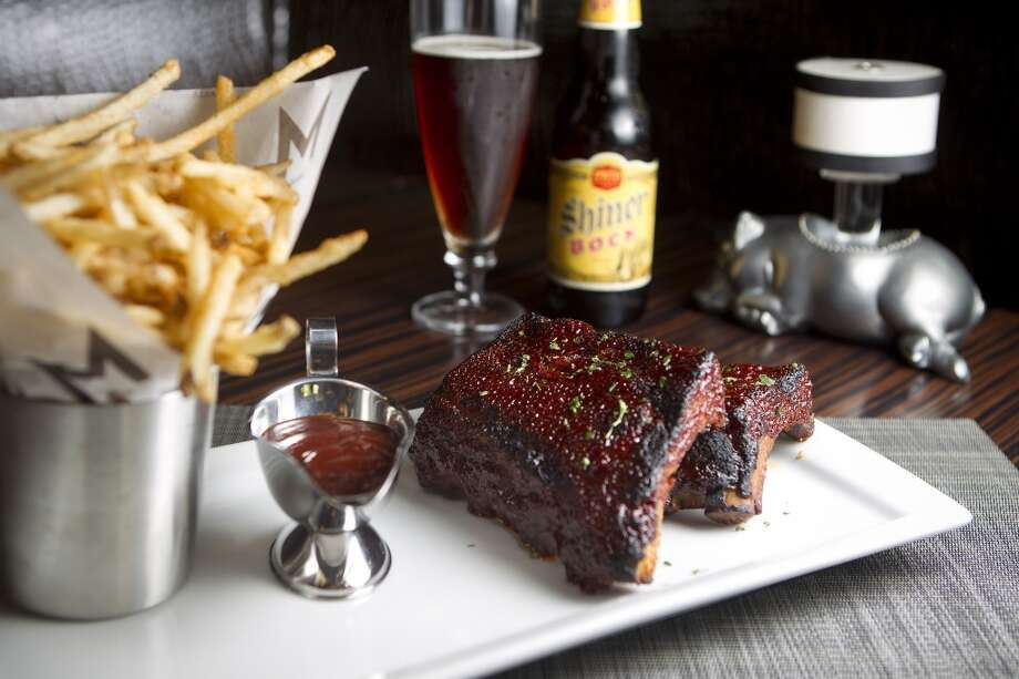 "Bacon fat braised ribs with matchstick fries and Texas-style ""soppin' sauce"" at Morton's Grille. Photo: Johnny Hanson, Houston Chronicle"