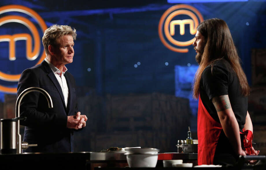 MASTERCHEF: Chef Gordon Ramsay (L) judges dishes prepared by the Top Home Cooks in the two-hour Season Four premiere of MASTERCHEF airing Wednesday, May 22 (8:00-10:00 PM ET/PT) on FOX. CR: Greg Gayne / FOX. Copyright: FOX. Photo: Greg Gayne