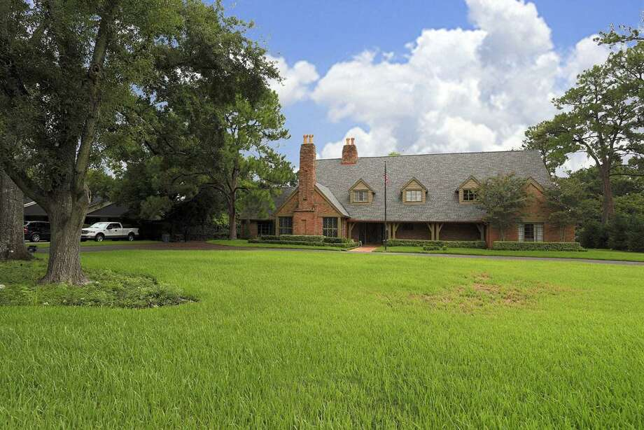 Listing agent: Sissy Lappin