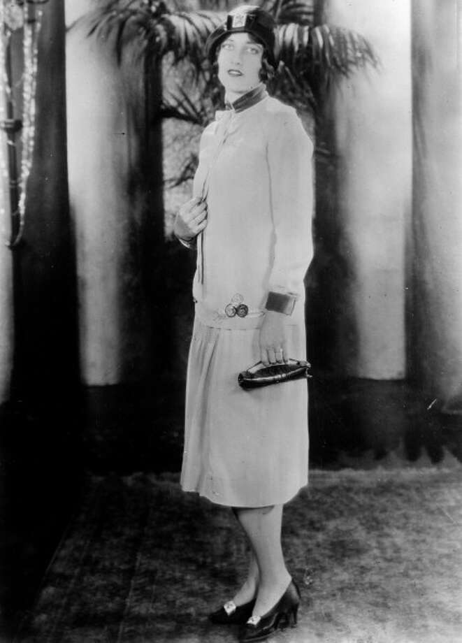 One of Hollywood's greatest leading ladies appears in this 1925 black and white film. Photo: Apic / Hulton Archive