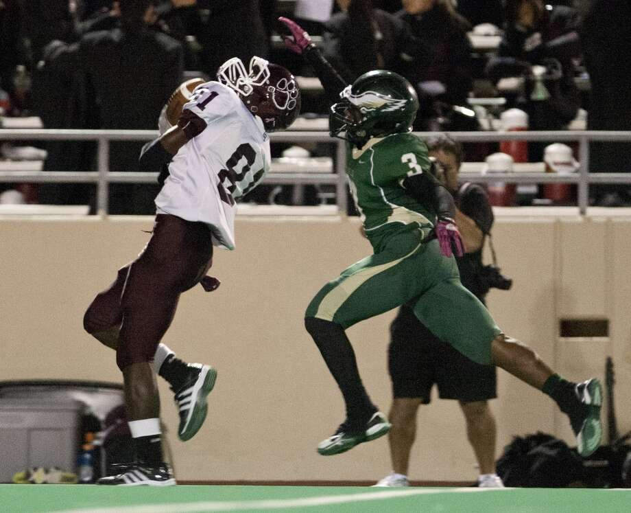 4. Cy-Fair vs. Cy Falls, 1 p.m. Nov. 2 at Pridgeon Stadium.The Bobcats have won three consecutive meetings, including 39-37 last year on a 33-yard touchdown pass with no time left. Both teams were playoff qualifiers last year, and they're the co-favorites to take the district title this season. Photo: Thomas B. Shea, For The Chronicle