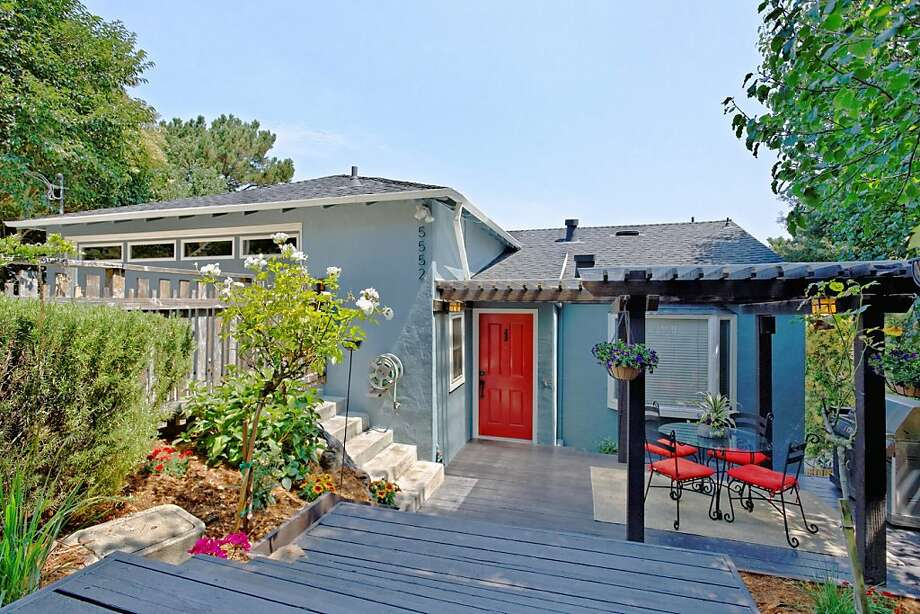 5552 Estates Drive, $799,000 Photo: Rich Anderson/LucidPic Photograp