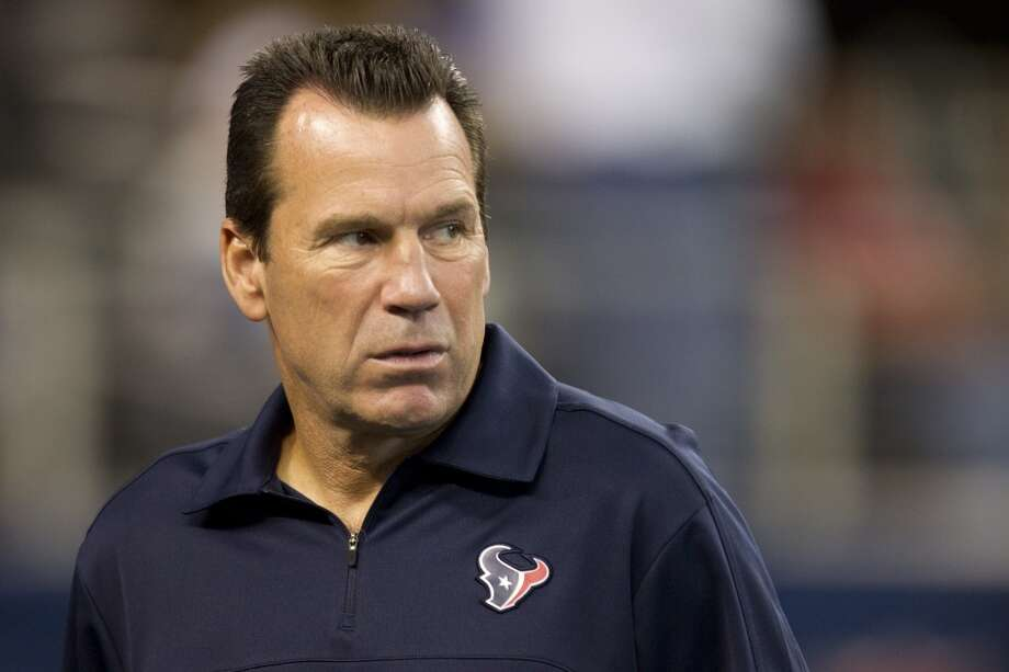 Texans head coach Gary Kubiak watches his team warm up before the preseason game against the Cowboys. Photo: Brett Coomer, Houston Chronicle