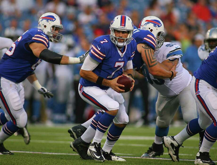 ORCHARD PARK, NY - AUGUST 29:  Matt Leinart #7 of the Buffalo Bills turns to handoff against the Detroit Lions at Ralph Wilson Stadium on August 29, 2013 in Orchard Park, New York.  (Photo by Rick Stewart/Getty Images) ORG XMIT: 173396594 Photo: Rick Stewart / 2013 Getty Images