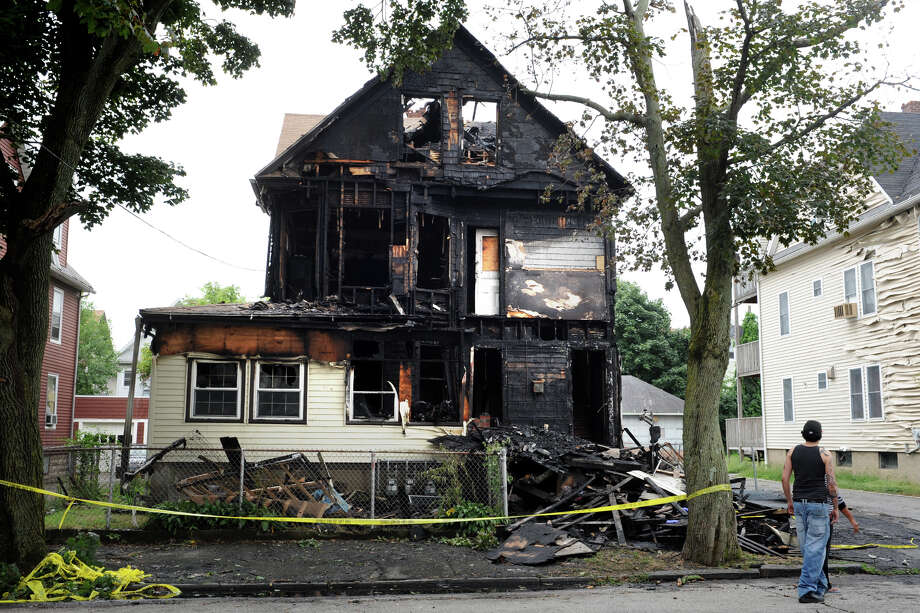 232 French St. in Bridgeport, Conn., the scene of an early morning fire Aug. 30, 3013. Photo: Ned Gerard / Connecticut Post