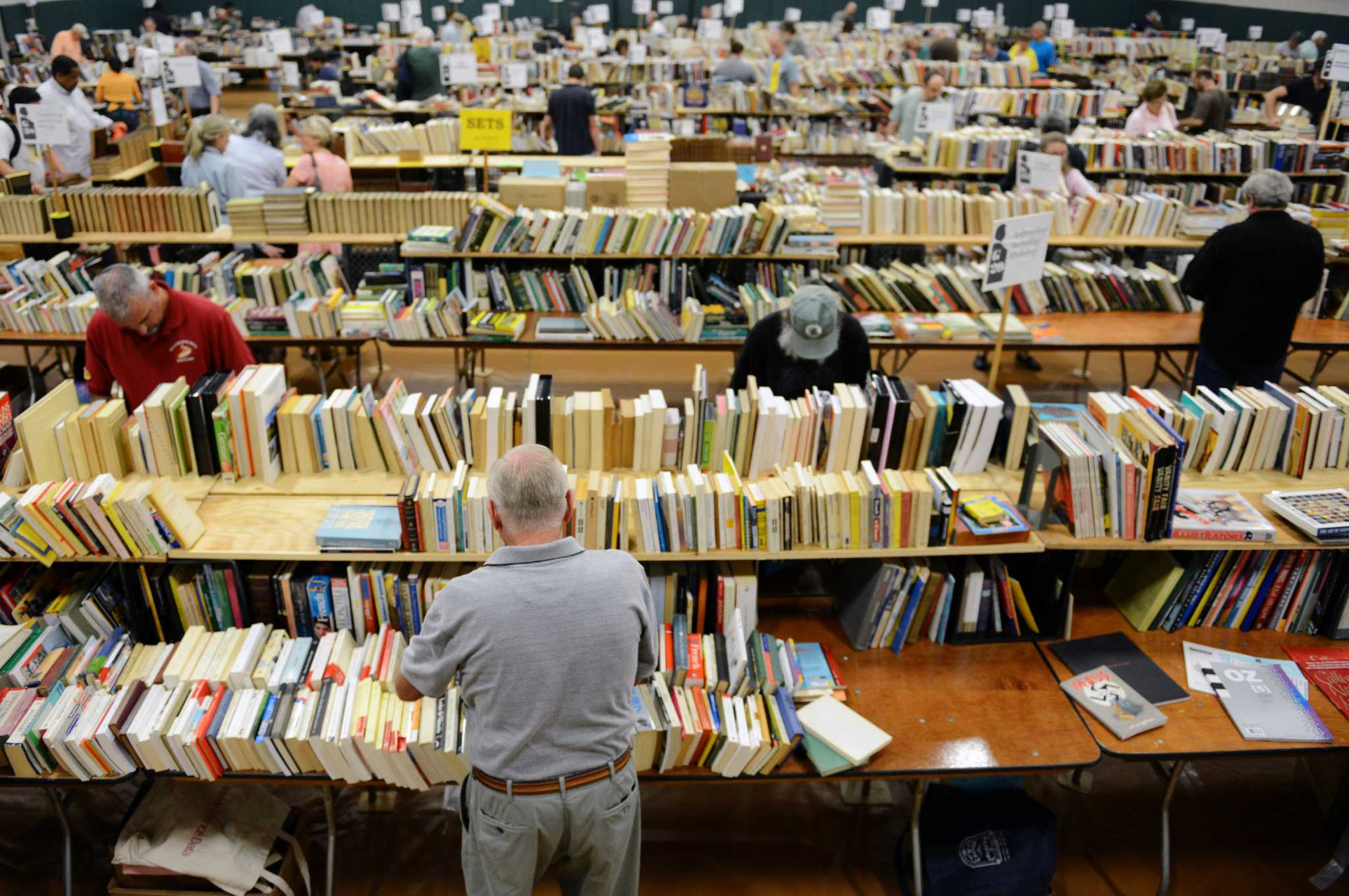 Book lovers rush to annual twain sale newstimes for Colonial energy redding ca