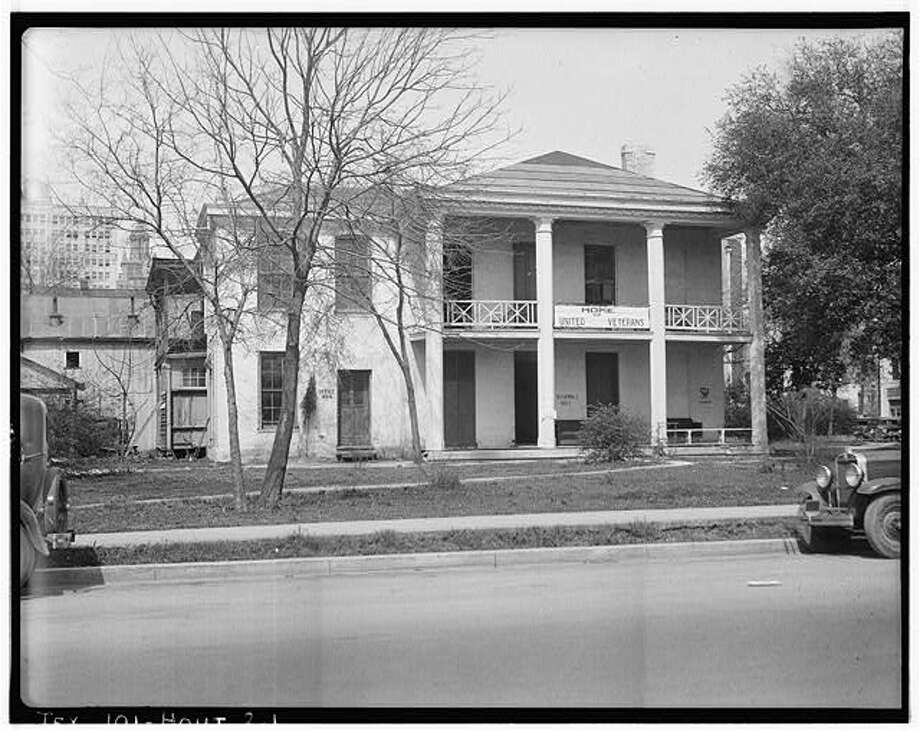 Historic Houston home, the Dr. Carrington House, at Crawford Street and Rusk Avenue.