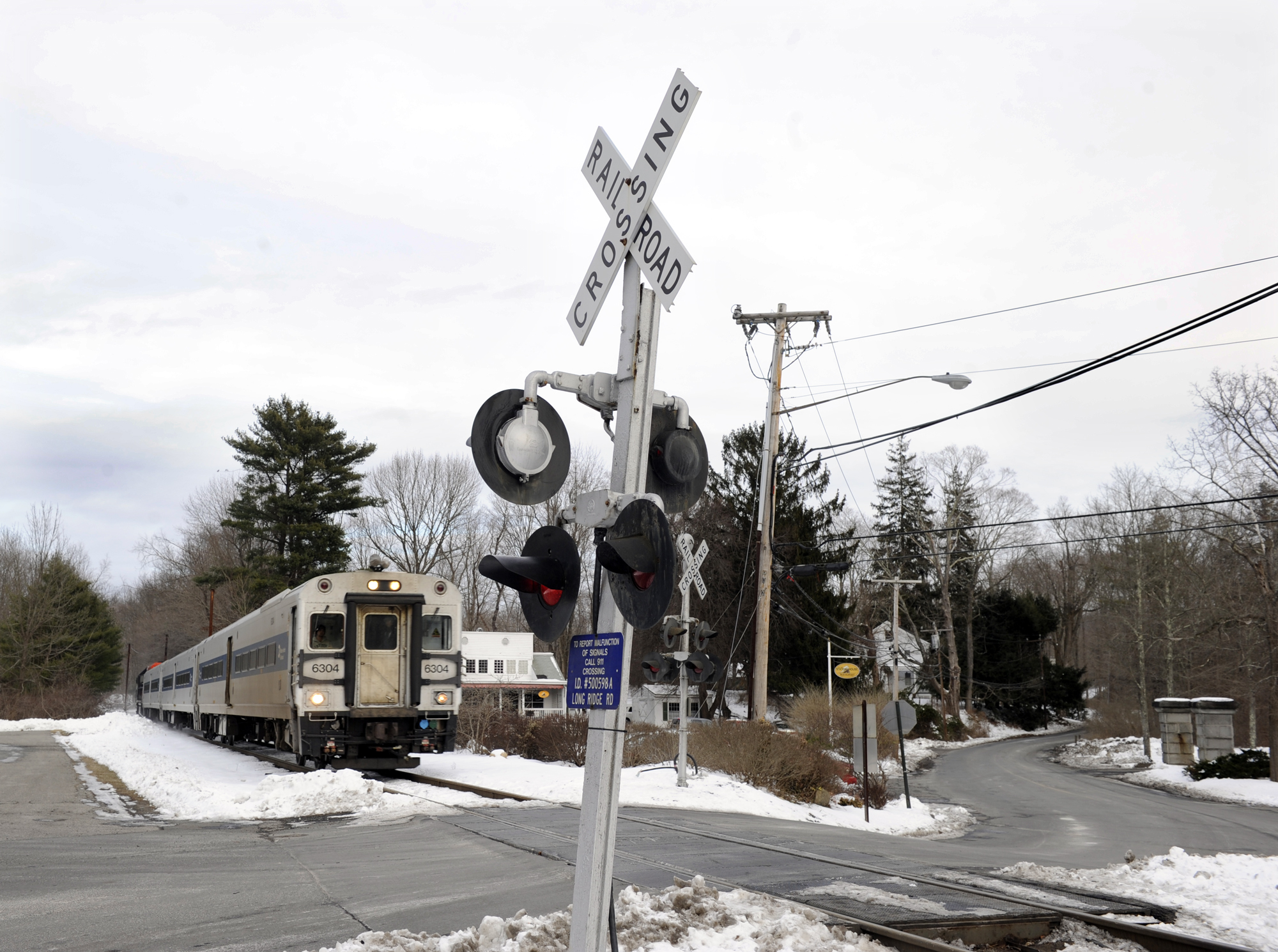 No gate at railroad crossing with most accidents