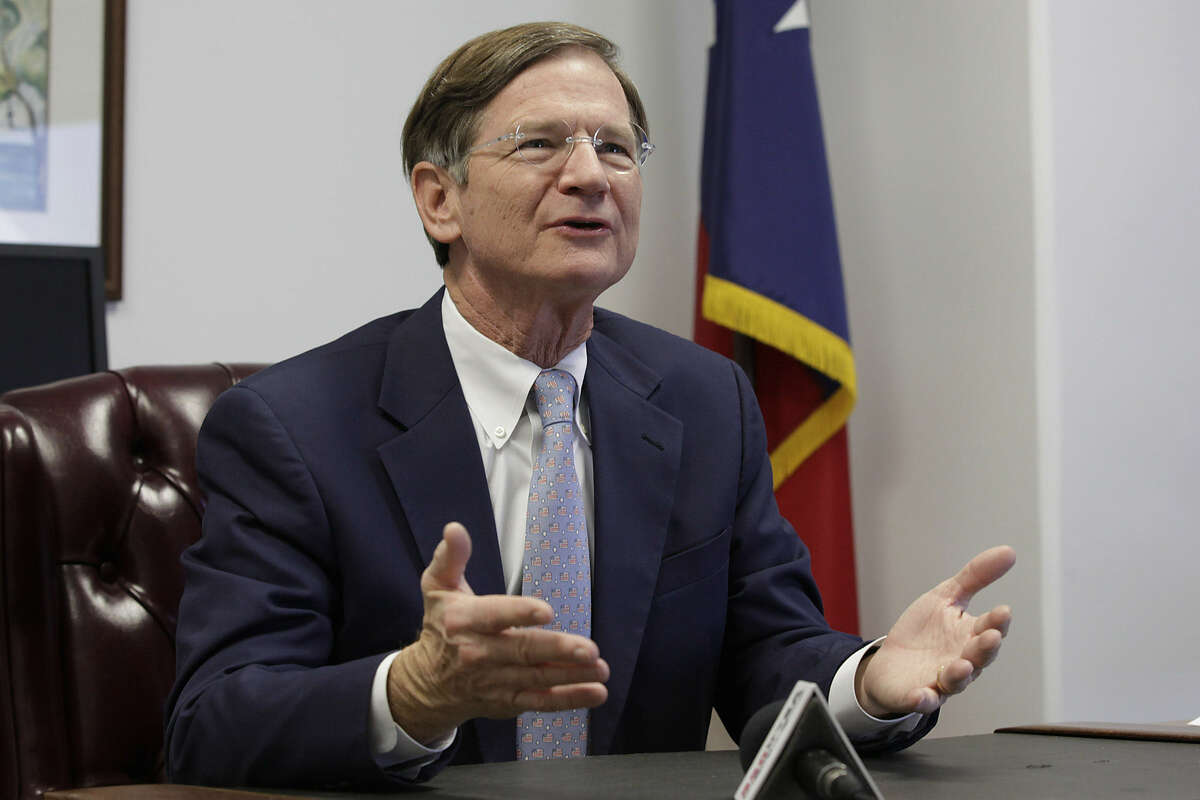 Environmental activists want San Antonio Rep. Lamar Smith to hold climate change hearings in Texas, where the effects of higher temperatures can be clearly seen.
