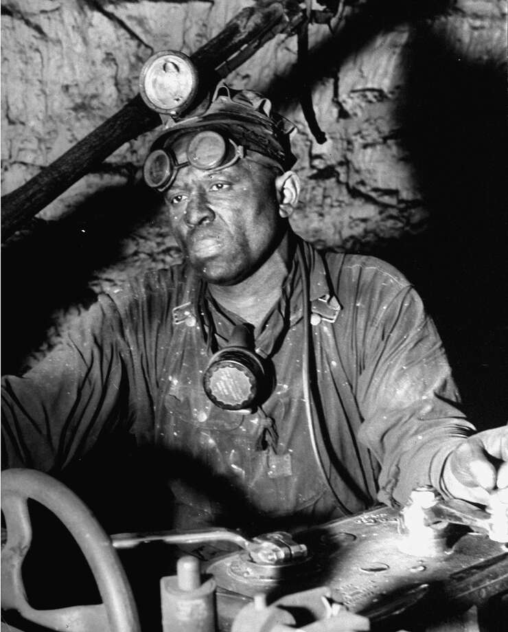Coal miner, 1942 Photo: Dmitri Kessel, Time Life / Time Life Pictures