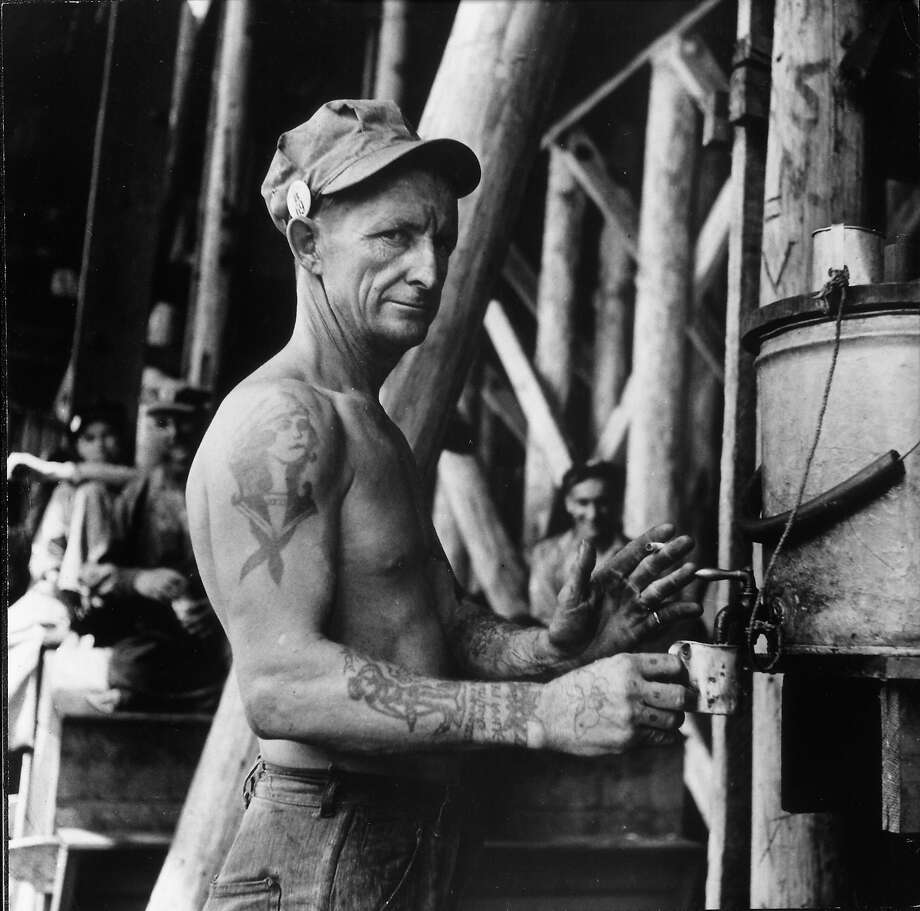 Shipyard worker, 1941 Photo: George Strock, Time Life / Time Life Pictures