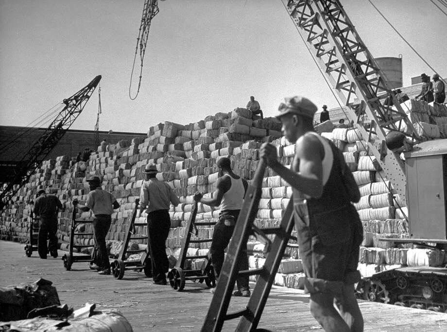 Stevedores, 1939 Photo: Margaret Bourke-White., Time Life / Time & Life Pictures