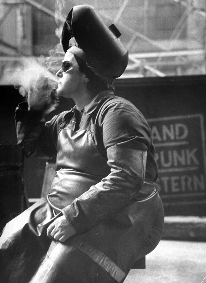 Welder, 1950 Photo: Leonard McCombe, Time Life / Leonard Mccombe