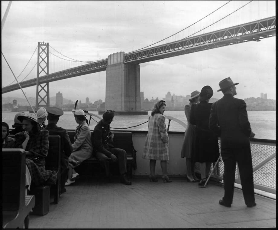 A Peter Stackpole shot of tourists riding the ferry to see the Bay Bridge in 1941. Photo: Peter Stackpole, Time & Life Pictures/Getty Image
