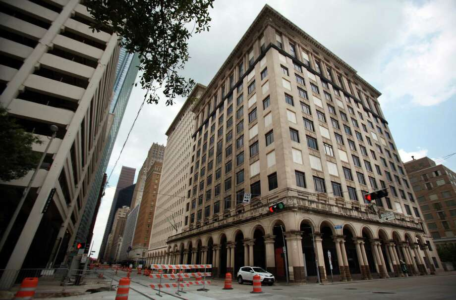 The historic 1915 Texaco building, located at 1111 Rusk, will be redeveloped into a $95 million luxury apartment project which will house 500 units. Photo: Mayra Beltran, Houston Chronicle / © 2013 Houston Chronicle