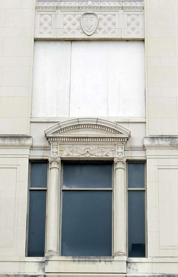 Texaco Company symbols can be seen in the historic 1915 Texaco building, located at 1111 Rusk. Photo: Mayra Beltran, Houston Chronicle / © 2013 Houston Chronicle