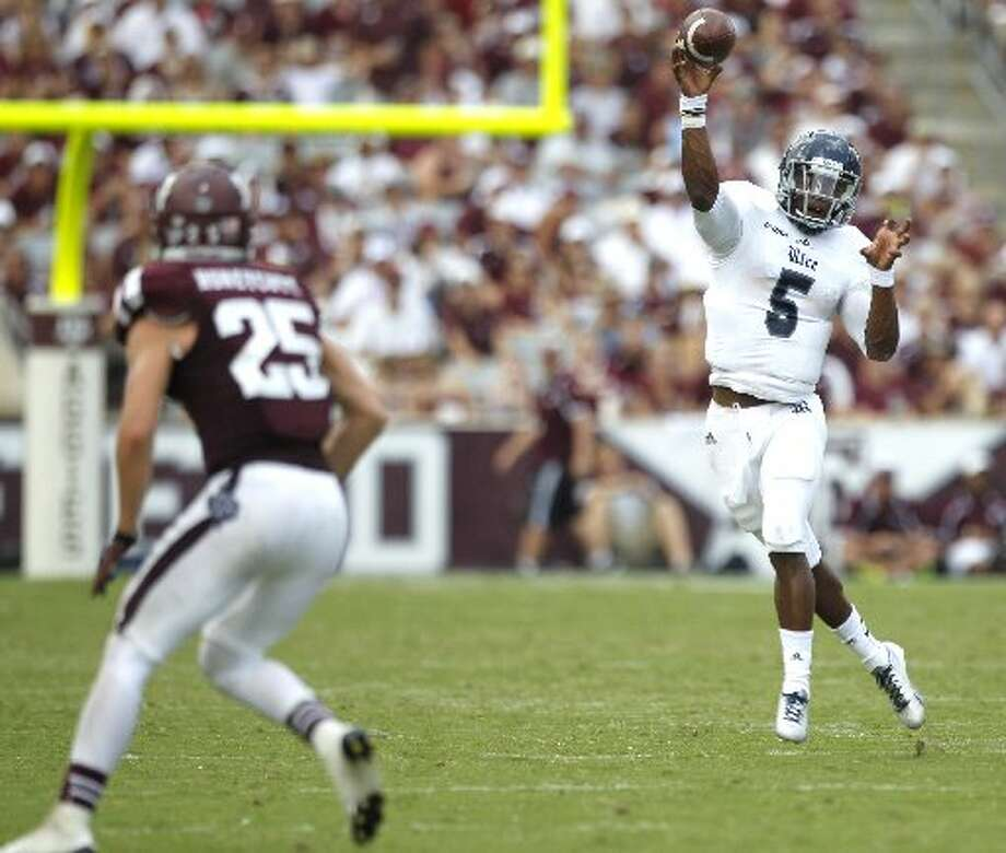 Rice quarterback Driphus Jackson against the Aggies. Photo: Brett Coomer, Houston Chronicle