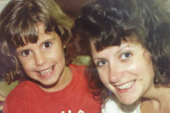 Wendy Davis, with daughter Amber, 6, in the hospital after daughter Dru was born in 1988.