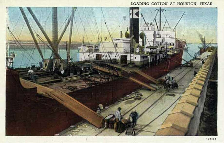 HOUSTON - 1926:  Vintage postcard showing men loading bales of cotton onto a ship in Houston . (Photo by Lake County Museum/Getty Images) Photo: Curt Teich Postcard Archives, Getty Images / Archive Photos