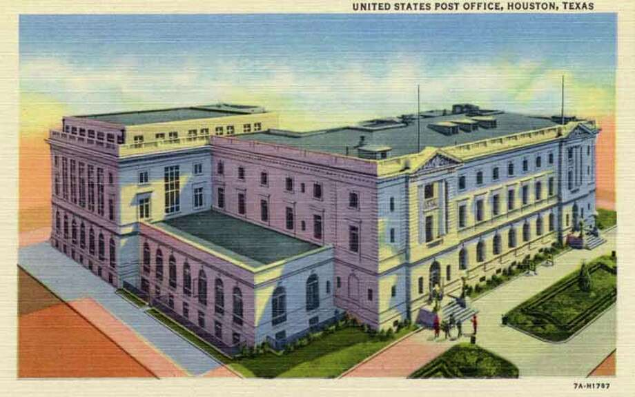 HOUSTON - 1937:  Vintage postcard showing the Houston Post Office. (Photo by Lake County Museum/Getty Images) Photo: Curt Teich Postcard Archives, Getty Images / Archive Photos