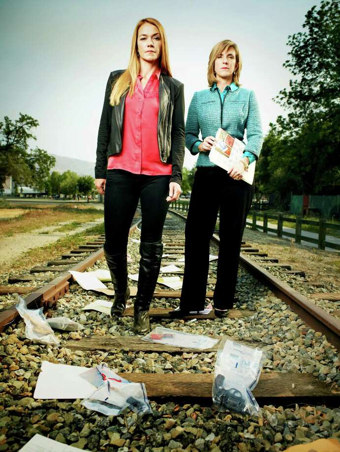 """Yolanda McClary, left, and Kelly Siegler attempt to solve old murders in TNT's """"Cold Justice."""" Photo: Jeff Lipsky"""