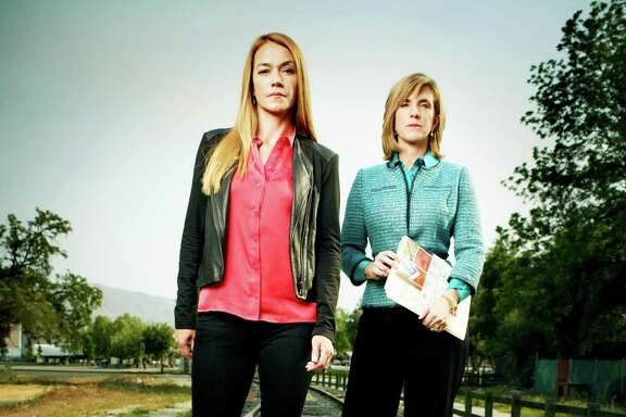"Yolanda McClary, left, and Kelly Siegler attempt to solve old murders in TNT's  ""Cold Justice."""