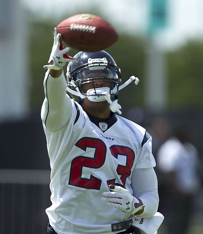 RBs/FBsPlayers to know: RB Arian Foster, RB Ben Tate, FB Greg Jones. Review of the group: If he stays relatively healthy, Foster is a consistent back who can rush for 1,200 to 1,500 yards and score double-figure touchdowns. When he's healthy, Tate could start for some teams. Jones is a powerful lead blocker with nine years of experience. Needs polishing: This is a veteran group, and nothing needs polishing. Comment: With the 268-pound Jones clearing holes for Foster and Tate, the Texans could have the best 1-2 punch in the NFL, but both have  to stay healthy. This is the last year on Tate's contract. Photo: James Nielsen, Chronicle